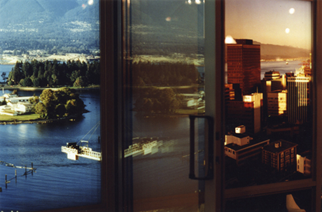 Vikky Alexander, Model Suites, Sliding Door, 2005